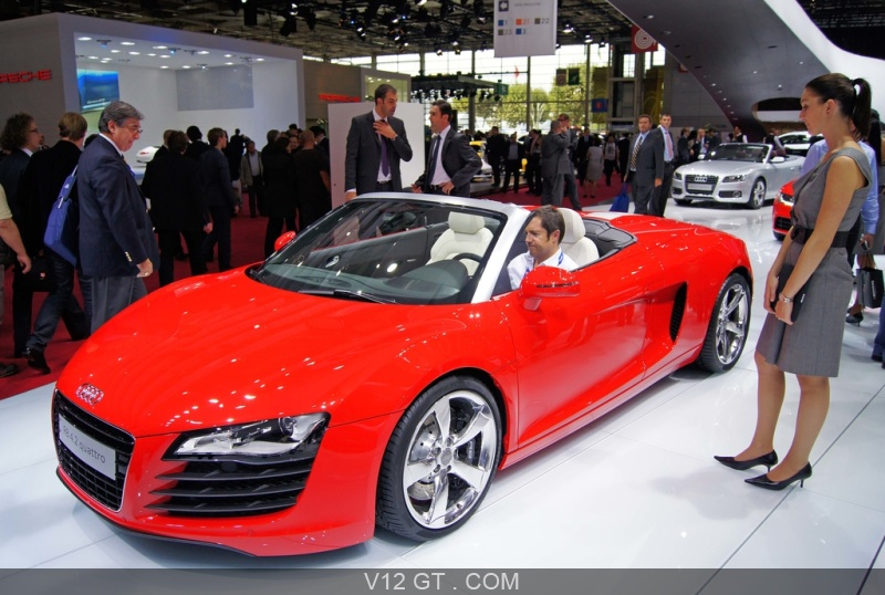 mondial de l 39 automobile paris 2010 audi r8 v8 spyder rouge 3 4 avant gauche mondial de l. Black Bedroom Furniture Sets. Home Design Ideas