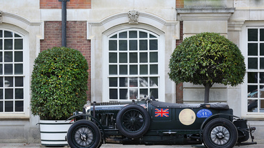 Hampton Court Palace Concours of Elegance 2017 - Bentley 4.5L Blower vert profil
