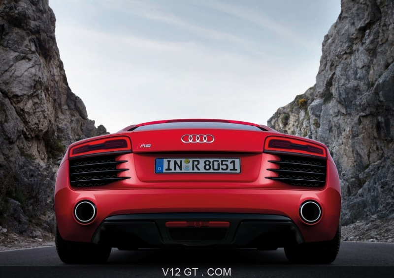 audi r8 mkii rouge face arri re audi photos gt les plus belles photos de gt et de classic. Black Bedroom Furniture Sets. Home Design Ideas
