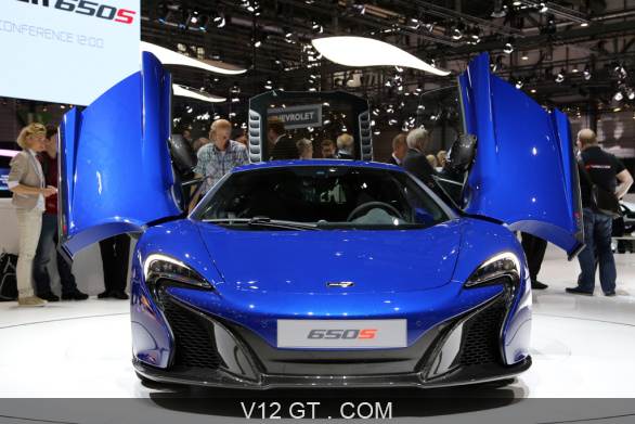mclaren 650s bleu face avant portes ouvertes gen ve 2014 photos salons les plus belles. Black Bedroom Furniture Sets. Home Design Ideas