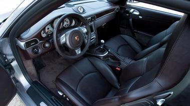 Projet d 39 achat 2015 une porsche 911 911 porsche for Interieur 997